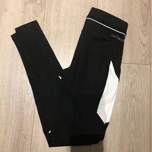 IVY PARK Other - Ivy Park Color Block Ankle Leggings (Size XS)